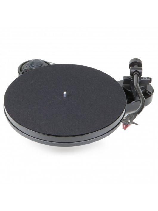 Pro-Ject RPM 1 Carbon analóg lemezjátszó Ortofon 2M Red hangszedővel -fekete-