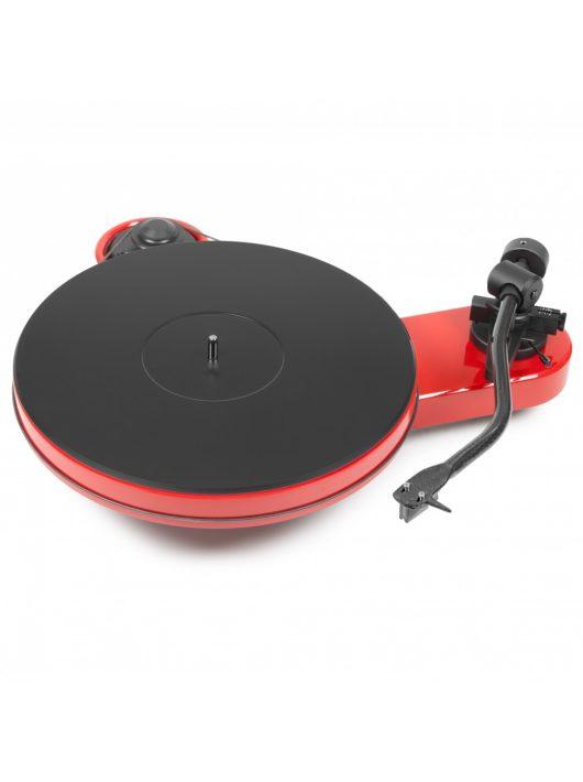 Pro-Ject RPM 3 Carbon analóg lemezjátszó Ortofon 2M Silver hangszedővel /Piros/