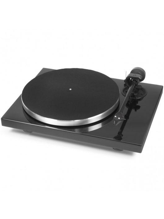 Pro-Ject 1 Xpression Carbon Classic analóg lemezjátszó, lakk fekete / hangszedő nélkül /