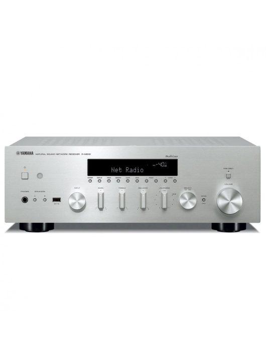 Yamaha R-N602 sztereó rádió/erősítő hálózatos lejátszással (MusicCast), ezüst színben