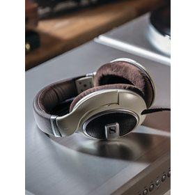 Vezetékes fej- és fülhallgatók